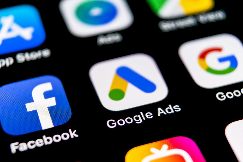 paid vs organic social ads.jpg ATTACHMENT DETAILS paid vs organic social ads